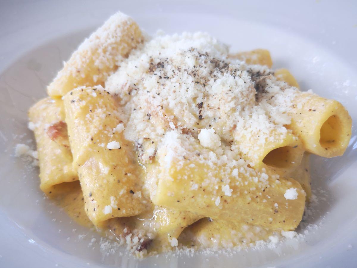 Ecco dove mangiare la migliore carbonara di Roma: Taverna Cestia