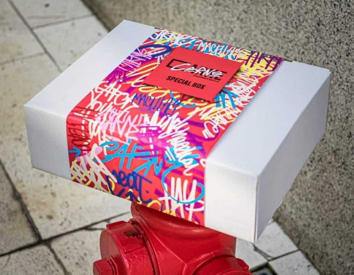 Packaging della box di Carne a Milano