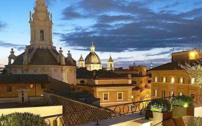 La terrazza del Pantheon Iconic Hotel di Roma