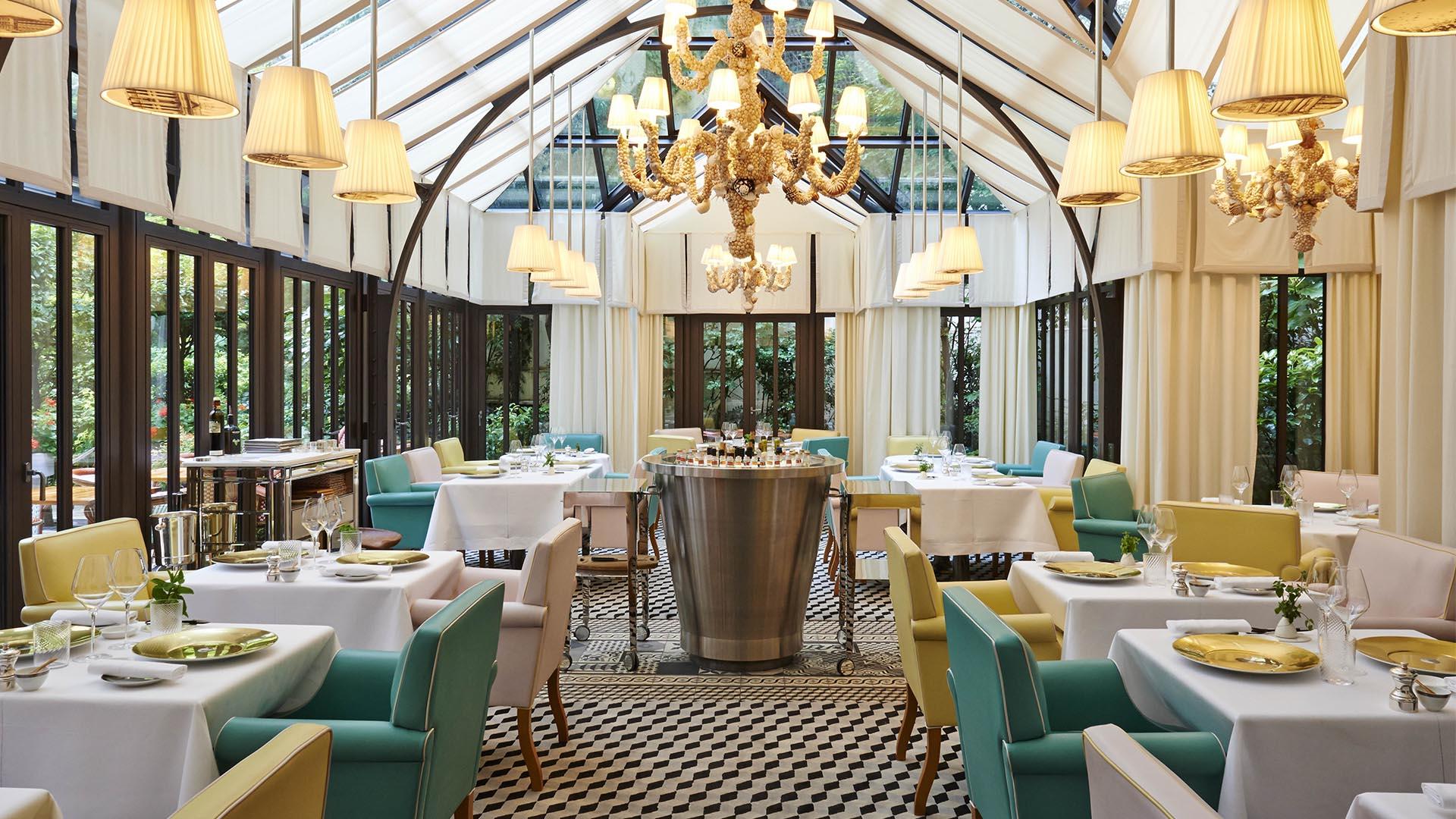 La sala del ristorante Il Carpaccio a Parigi