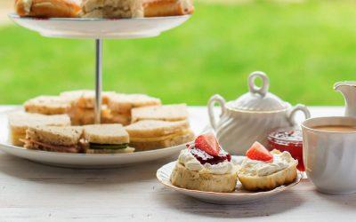 scones, tè e sandwiches