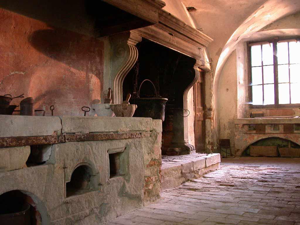 Il camino di una cucina antica
