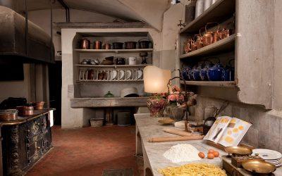 Una cucina storica di un palazzo italiano
