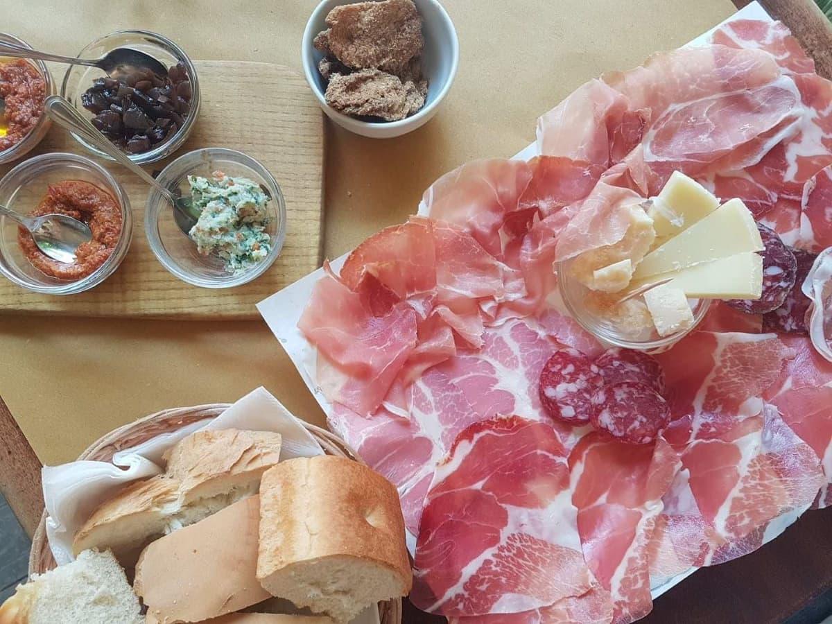 Degustazione di prodotti tipici con Bike food stories