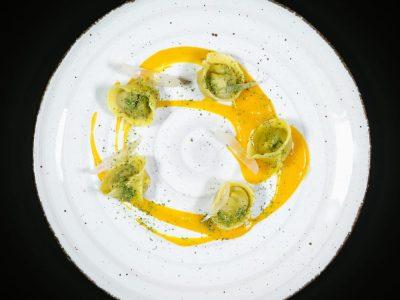 Ravioli di peposo, sedano carote, cipolla