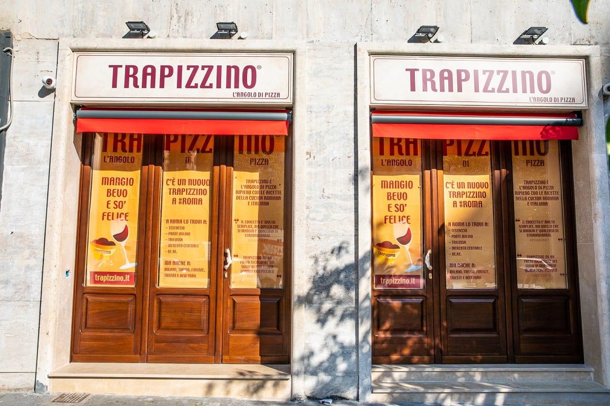 Le vetrina di Trapizzino a piazzale delle Provincie