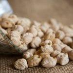 Farina di ceci: proprietà, usi in cucina e ricette golose da fare a casa