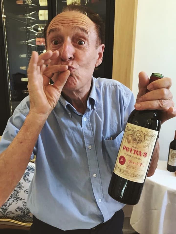 Michel Chasseuil con bottiglia di Petrus