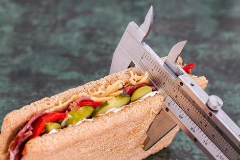 Disturbi alimentari: tipologie, sintomi e cause psicologiche