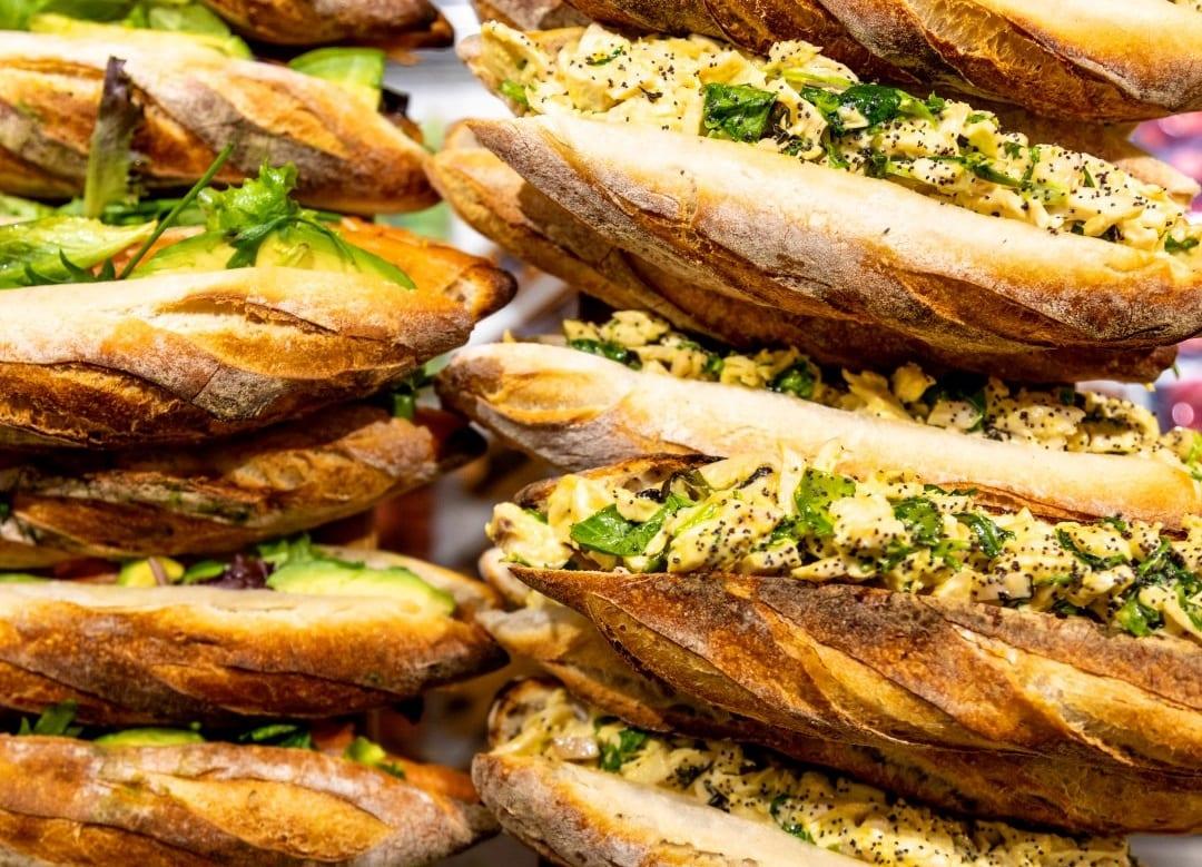 Baguette con insalata di pollo