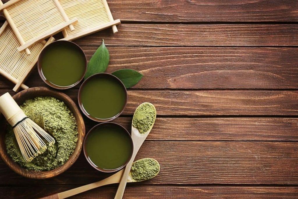Preparazione tè matcha