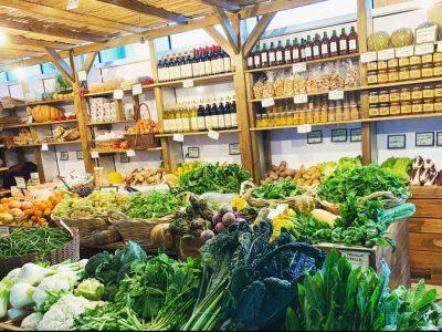 I banchi del Farmer Market a Torre Spaccata