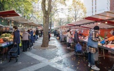 Mercato rionale all'aperto a Parigi