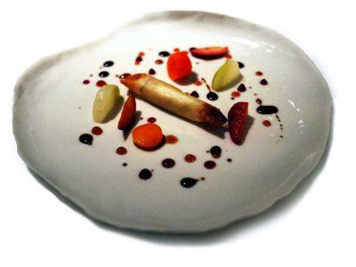Croccante di capra con fragole, pere, carote e saba di Fabrizio Mantovani