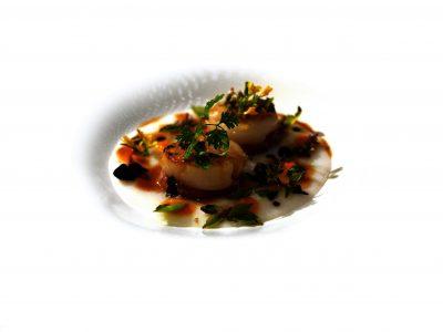 Polenta bianca al cucchiaio con capesante e Bel e cotechino di Russi di Fabrizio Mantovani