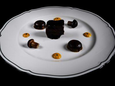 Vitella e funghi di Adriano Baldassarre
