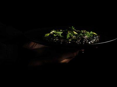 Riso di grano al nero, limone, ramolacci di Fabio Verrelli