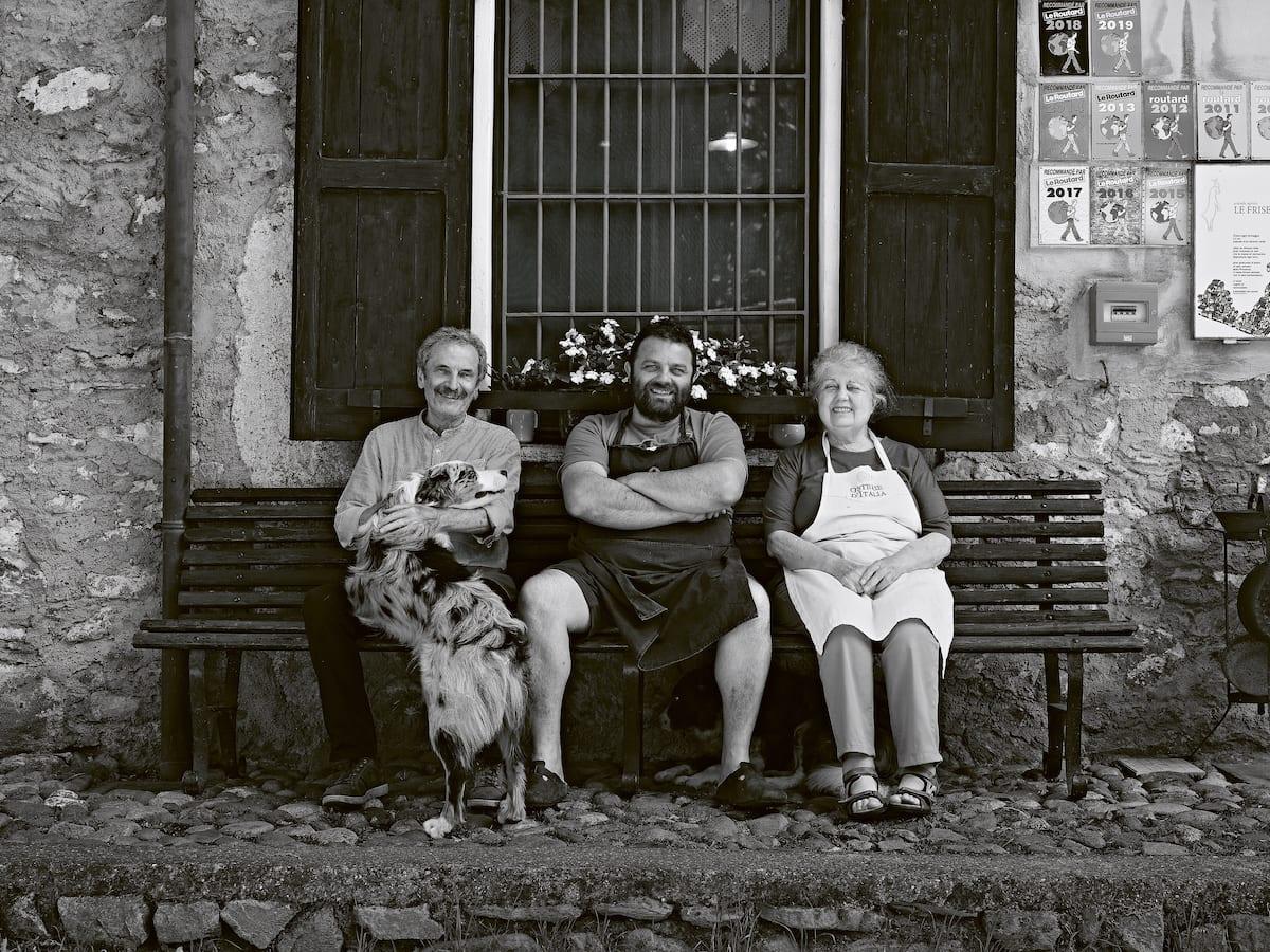 Famiglia Martini Le Frise. Foto Marco Varoli. Libro Ostinati