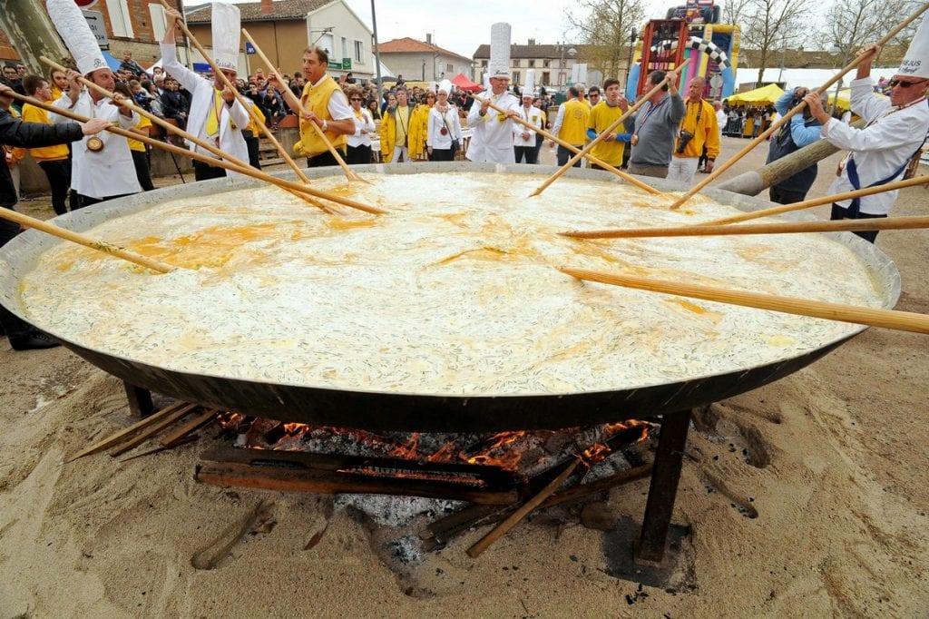omelette gigante a Haux, foto di BCN news