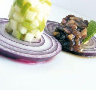 Tartara di alici e cipolla marinata con mela verde
