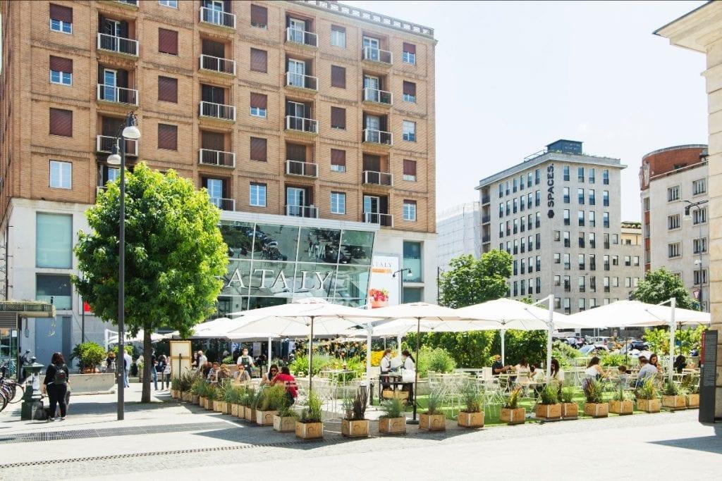 Lo spazio esterno di Eataly Smeraldo a Milano