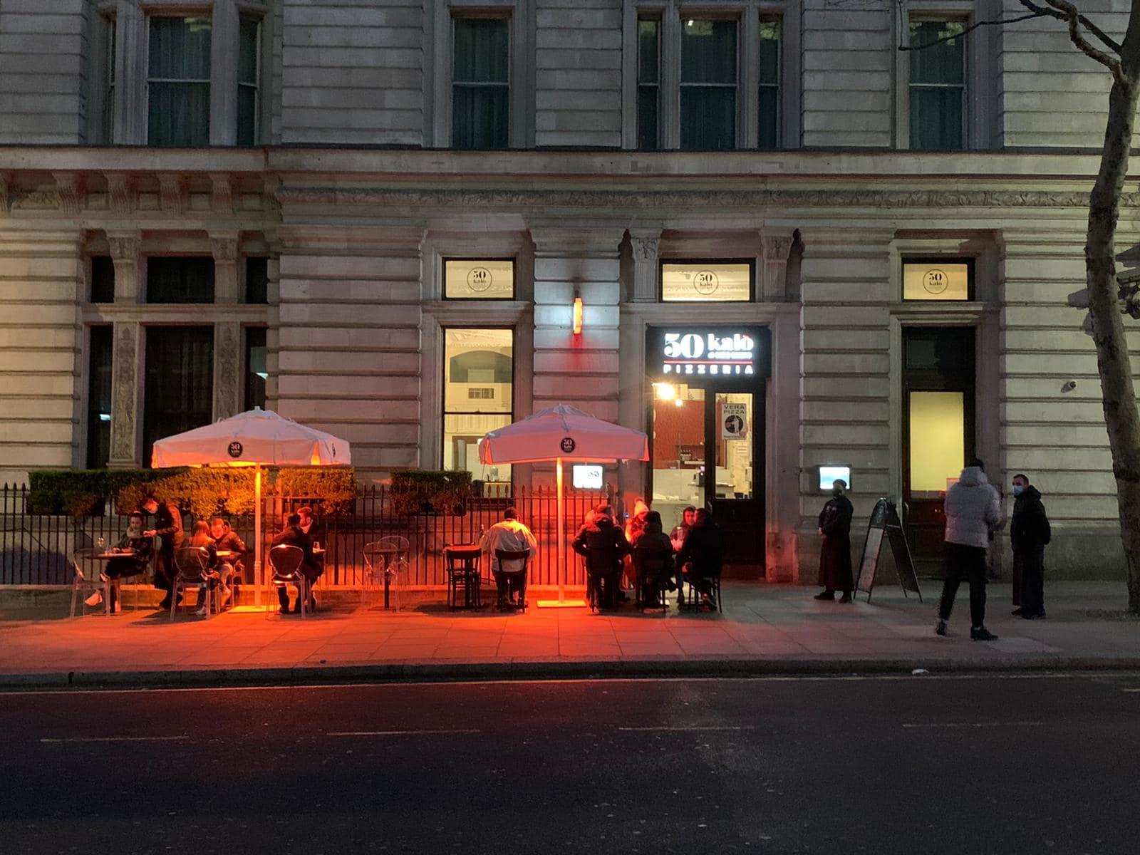 50 Kalò a Londra, dehors