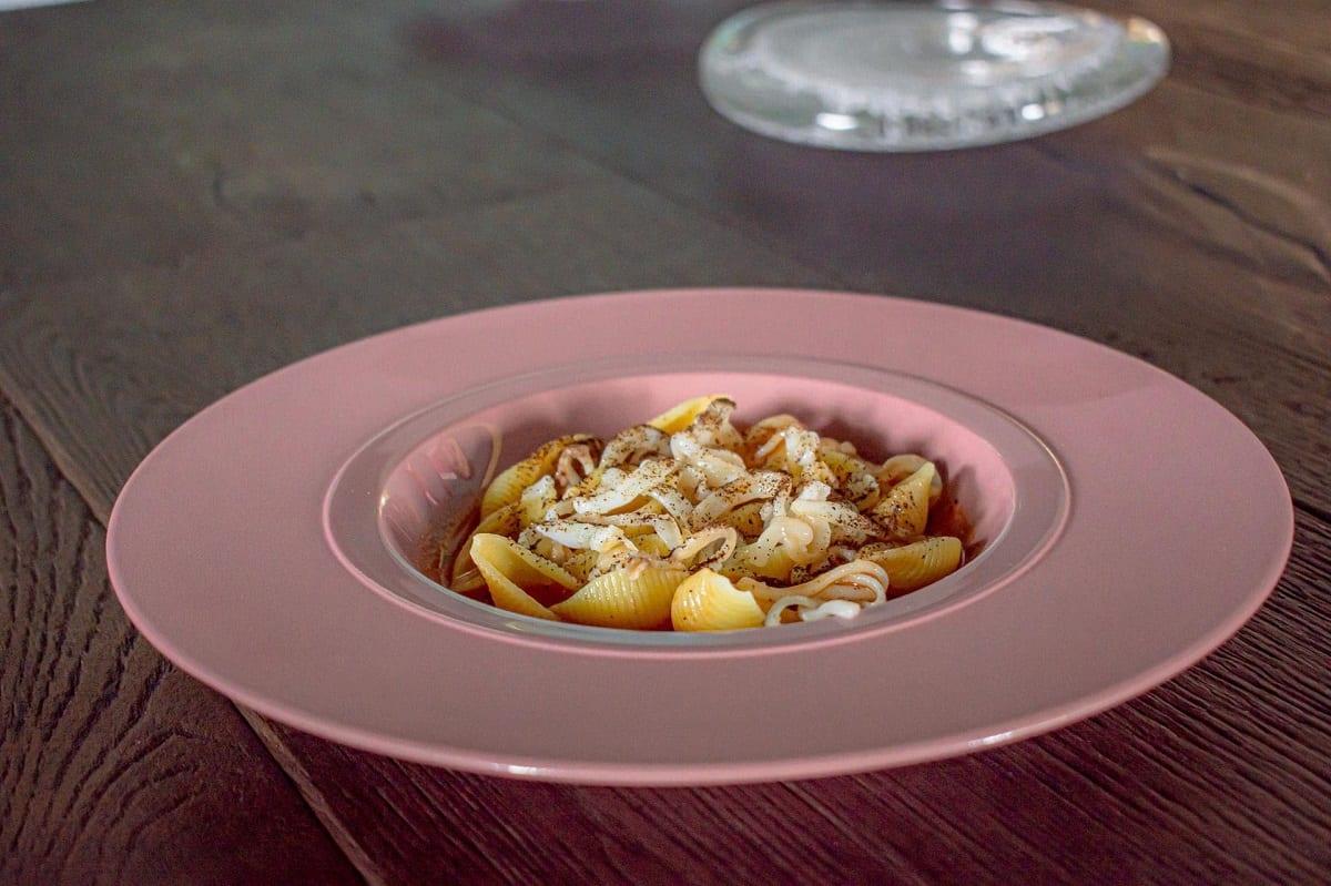 Conchiglie con zuppa di calamari, Andrea Berton