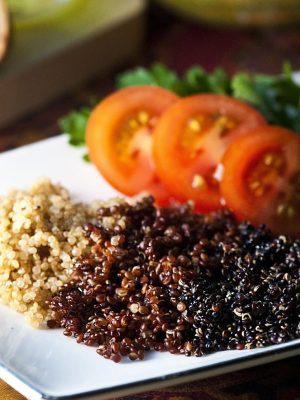 Quinoa: come si cucina? Ricette, valori nutrizionali e proprietà