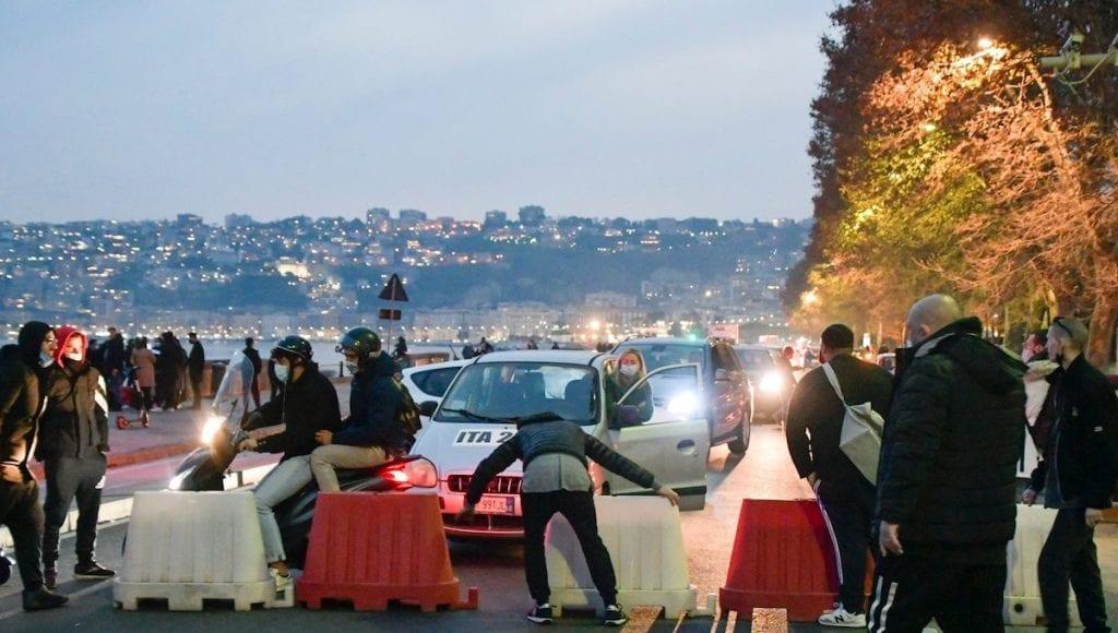 ristoratori bloccano le strade