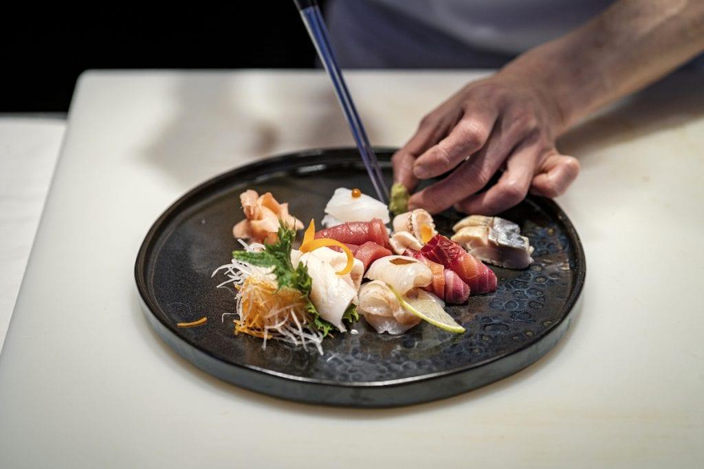 Selezione sashimi Umi - Sgombro seppia dentice salmone marinato tonno spigola ricciola