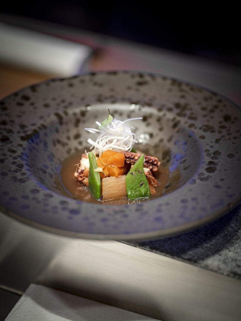 UMI. Starter - Tako yawarakani - Polpo massaggiato e cotto al vapore marinato per 48h con daikon carota e soia