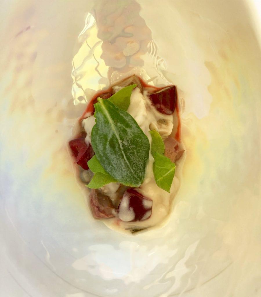 Ostrica, rafano, ciliegie, rognone di pecora, maionese di uova di coregone Lab 2021 Uliassi