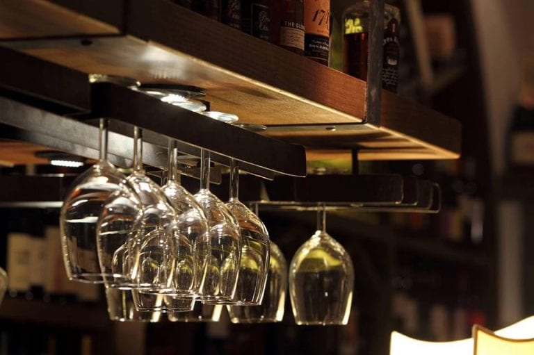 datati antichi bicchieri di vino incontri originali