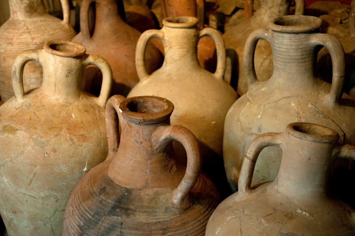 Recipiente Di Terracotta Per L Olio.Anfore Giare E Altri Contenitori Ancestrali Tornano In Voga