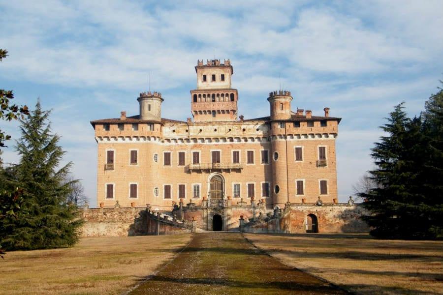 Castello di Chignolo Po, Pavia, tappa del percorso sulla via Francigena - foto di Luca Giarelli