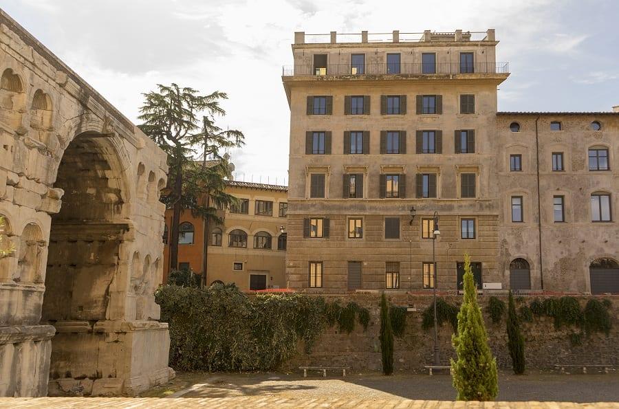 Caviar Kaspia A Roma Al Palazzo Rhinoceros Di Alda Fendi