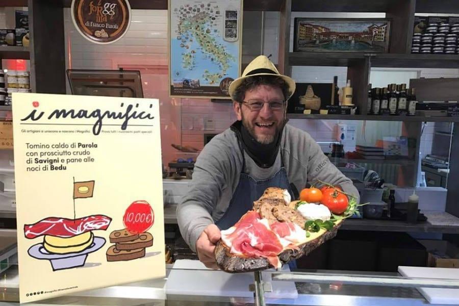 Franco Parola, proprietario della bottega I formaggi di Franco Parola al Mercato centrale di Firenze