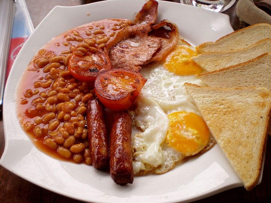 Colazioni del mondo. Regno Unito: English breakfast, porridge ...