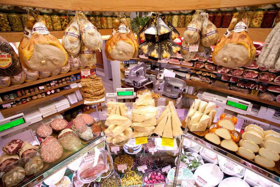 Salumeria Simoni, gastronomia di Bologna