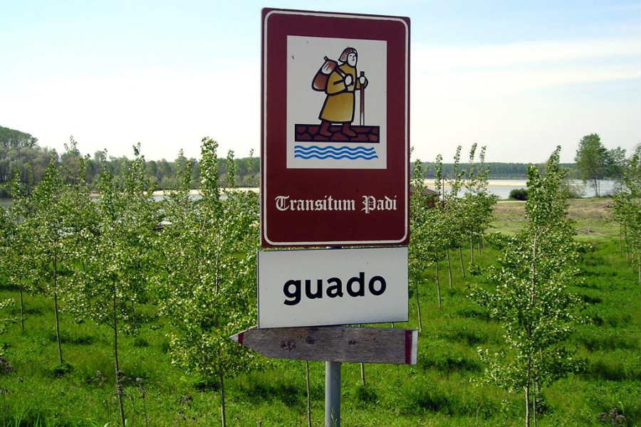 Guado di Sigerico - battello per oltrepassare il Po, percorso della via Francigena