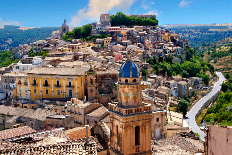 Ragusa, vista su Ibla e Santa Maria dell'Itria