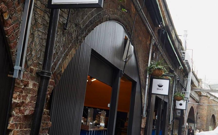 Gli archi di Italian Alley a Londra
