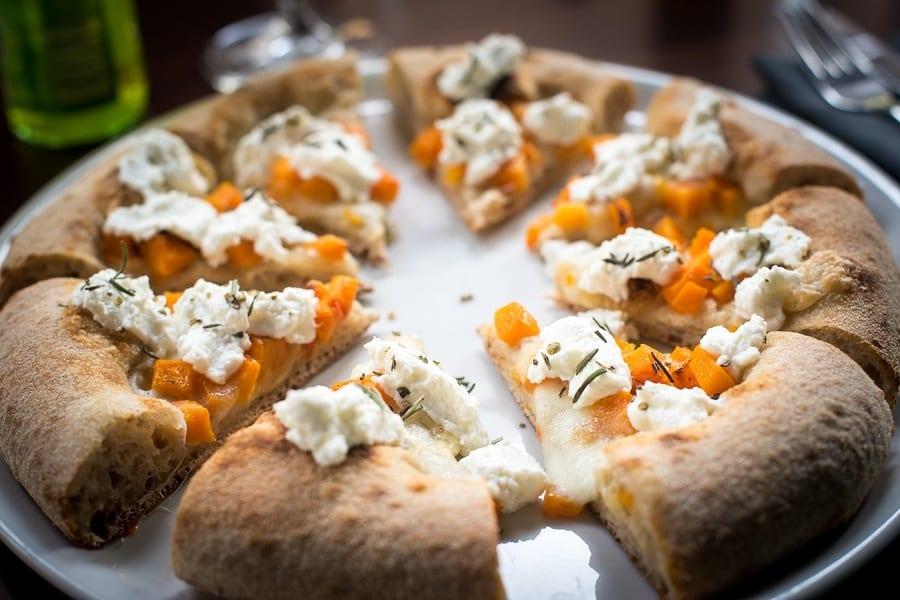 La pizza zucca e formaggio fresco di Berberè