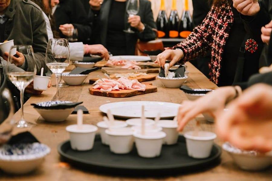 A tavola da Caffè Italiano, con piatti da condividere