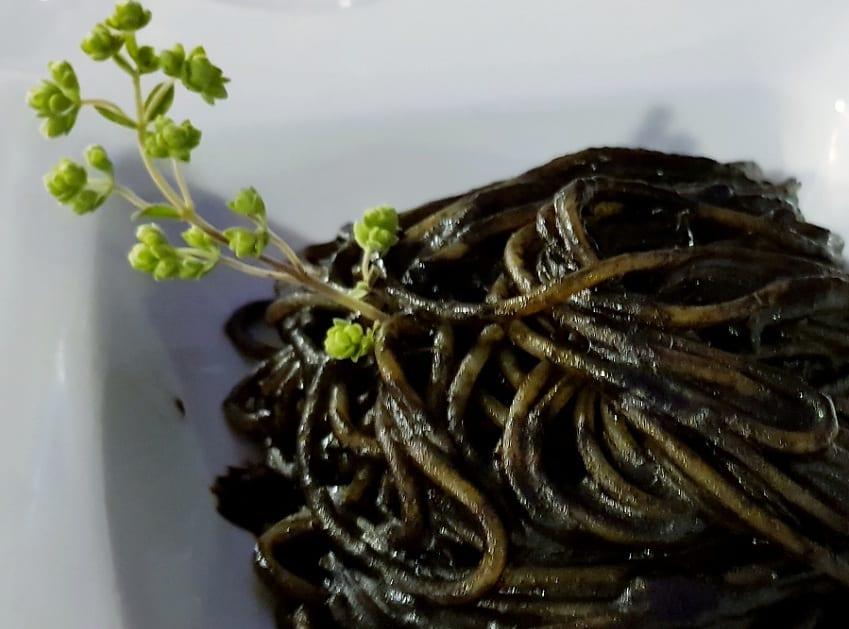 Gli spaghetti neri alla Vittorio