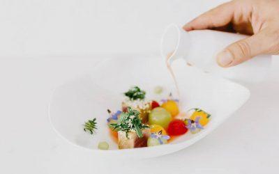 Un piatto di frutta, pesce e verdure al Florie di Miami