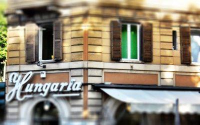 L'insegna dello storico Bar Hungaria