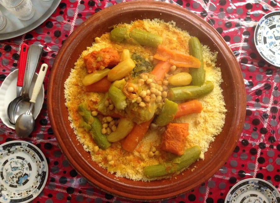 Couscous con pesci, peperoni e zucca