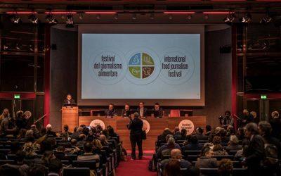 La sala del Centro Congressi Torino Incontra, gremita per il Festival del Giornalismo Alimentare