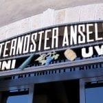 107 Linsegna della cantina storica di Paternoster nel centro di Barile Pz